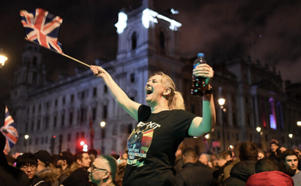 Anglaise célébrant le Frexit