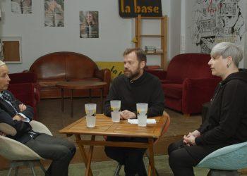 David Libeskind, avocat et animateur sur QG, reçoit deux membres des Gilets jaunes: Carole Pigaiani, dirigeante associative, et Natacha Sellard, pour parler de l'affaire du « camion rose » persécuté par Didier Lallement